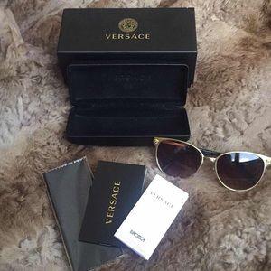 Versace Women's Sunglasses   Brand New In Box